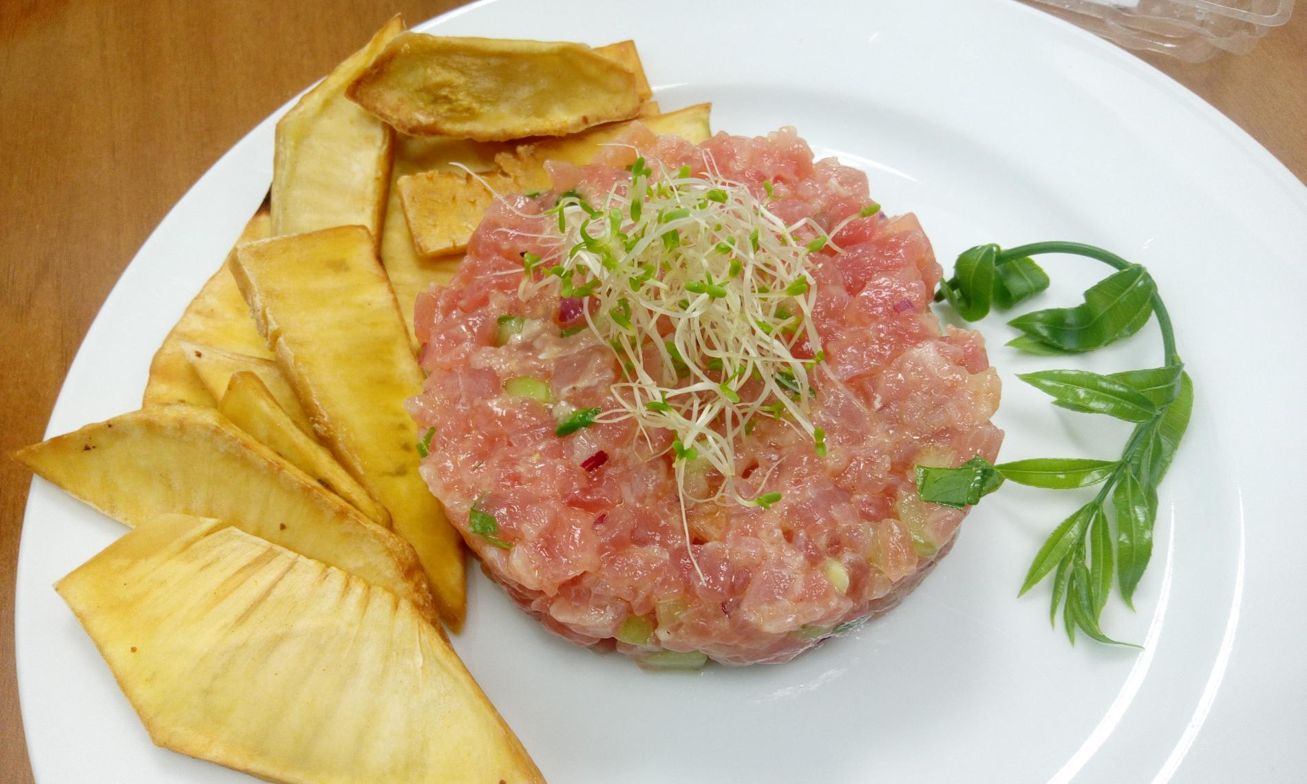 recette tartare de thon au feuille de vii tahiti et vinaigre d 39 ananas. Black Bedroom Furniture Sets. Home Design Ideas