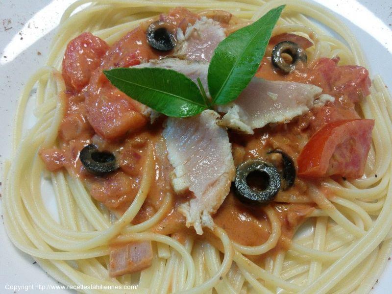 Spaghetti au thon mi-cuit tomate et lait de coco